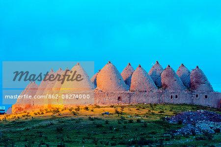 Turkey, Eastern Anatolia, village of Harran, beehive mud brick houses