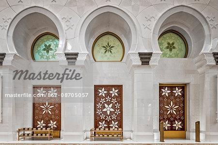 Contemporary Arab styled alcoves in the Sheikh Zayed Grand Mosque Main Prayer Hall, Khor Al Maqta'a, Abu Dhabi, United ARab Emirates.