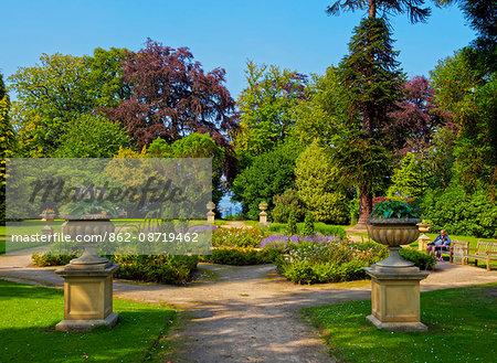 UK, Scotland, Lothian, Edinburgh, View of the Lauriston Castle Gardens.