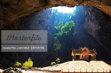 South East Asia, Thailand, Prachuap Kiri Khan, Khao Sam Roi Yot National Park, Tham Phraya Nakhon cave, Royal pavilion