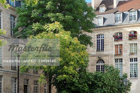 France. Paris. 4th district. The Marais. The Henault de Cantobre hotel, built in 1706, shelters the European House of the Photography. The facade rue de Fourcy