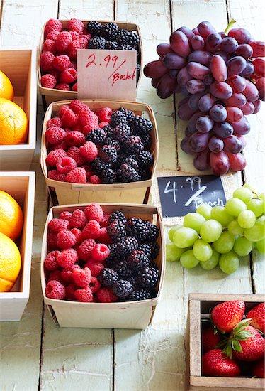 Farmer's Market Fruit for Sale, Toronto, Ontario, Canada Stock Photo - Premium Royalty-Free, Artist: Jodi Pudge, Image code: 600-06935001
