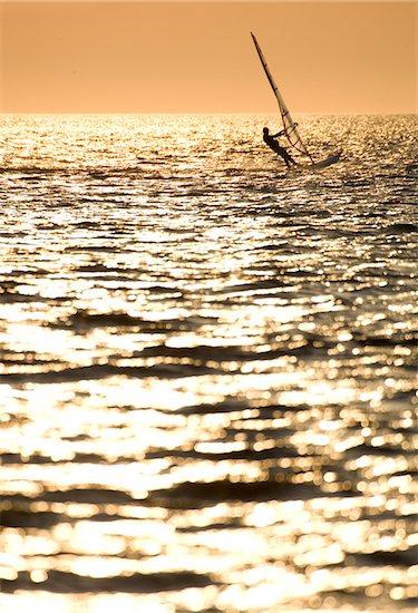 Windsurfing at the 'Canadian Hole', North Carolina, USA Stock Photo - Premium Royalty-Free, Artist: Michael Eudenbach, Image code: 600-07945137