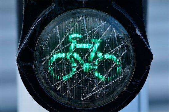Green Bicycle Lane Light, Amsterdam, Netherlands Stock Photo - Premium Royalty-Free, Artist: Jean-Christophe Riou, Image code: 600-03615621