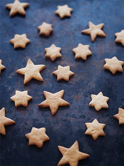 Star-shaped cookies Stock Photo - Premium Royalty-Free, Image code: 6102-08001003