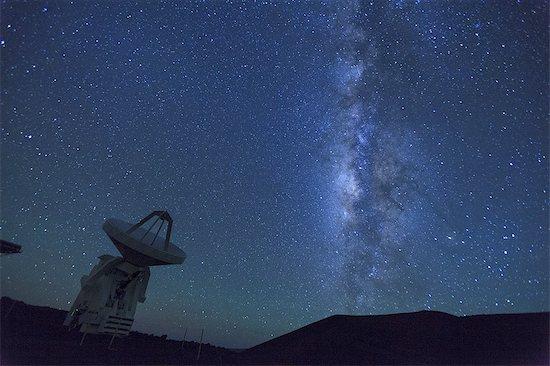 Hawaii, Mauna Kea Observatory Stock Photo - Premium Royalty-Free, Image code: 6106-07594002