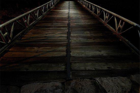 Wooden bridge at night in Asago, Hyogo Stock Photo - Premium Royalty-Free, Image code: 622-06398085