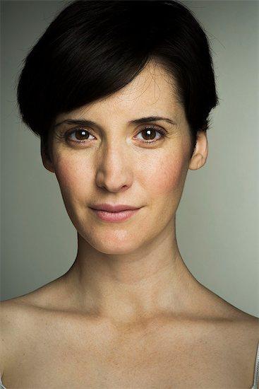 Mid-adult woman, portrait Stock Photo - Premium Royalty-Free, Image code: 632-08129863