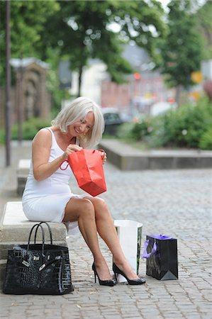 Heel in mature woman