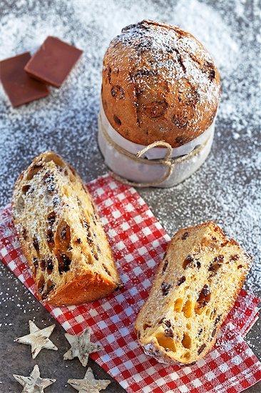 Panettone with chocolate - typical Italian Christmas cake Stock Photo - Premium Royalty-Free, Image code: 659-06188589