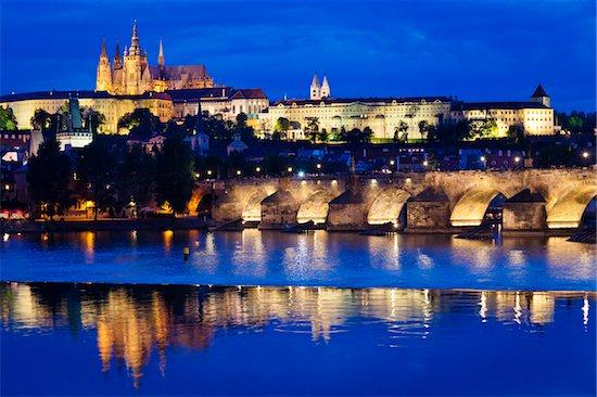 Prague Castle at Night, Prague, Czech Republic Stock Photo - Premium Rights-Managed, Artist: R. Ian Lloyd, Image code: 700-05642367