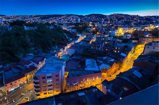Overview of city at night, Valparaiso, Provincia de Valparaiso, Chile Stock Photo - Premium Rights-Managed, Artist: R. Ian Lloyd, Image code: 700-07203974