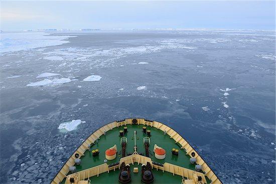Bow of icebreaker cruise ship, Kapitan Khlebnikov, on the way through the pack ice at Snow Hill Island on the Weddel Sea, Antarctic Peninsula, Antarctica Stock Photo - Premium Rights-Managed, Artist: Raimund Linke, Image code: 700-09052907