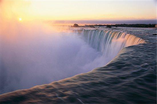 Horseshoe Falls Niagara Falls, Ontario, Canada Stock Photo - Premium Rights-Managed, Artist: John de Visser, Image code: 700-00050377