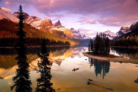 Spirit Island on Maligne Lake, Jasper National Park, Alberta, Canada Stock Photo - Premium Rights-Managed, Artist: J. A. Kraulis, Image code: 700-00361588