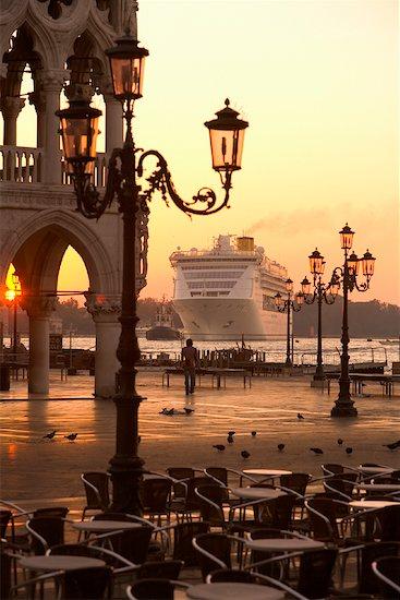 Cruise Ship, St Mark's Square, Venice, Italy Stock Photo - Premium Rights-Managed, Artist: R. Ian Lloyd, Image code: 700-01185470