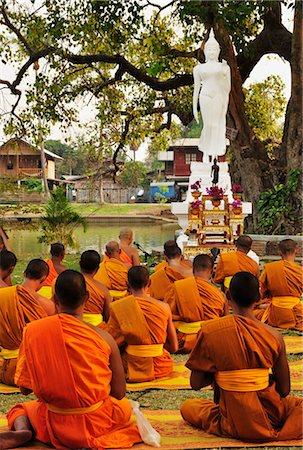 Standing buddha Stock Photos - Page 1 : Masterfile